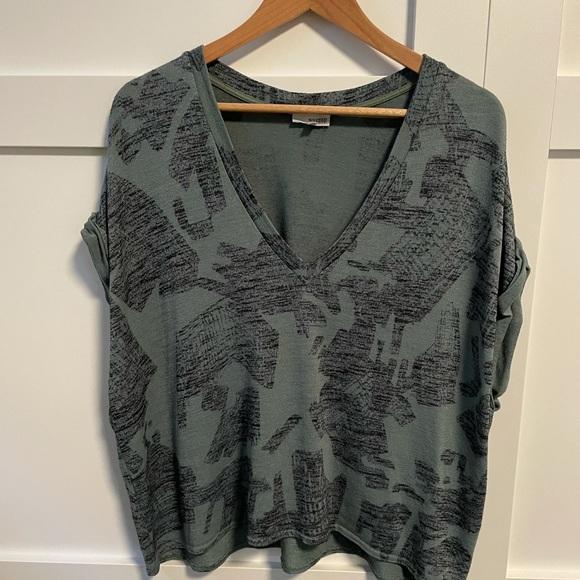 Aritzia Wilfred Free Brosh t shirt - size L